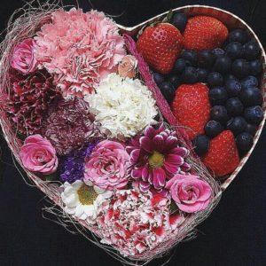 Композиция «Сердце с ягодами»