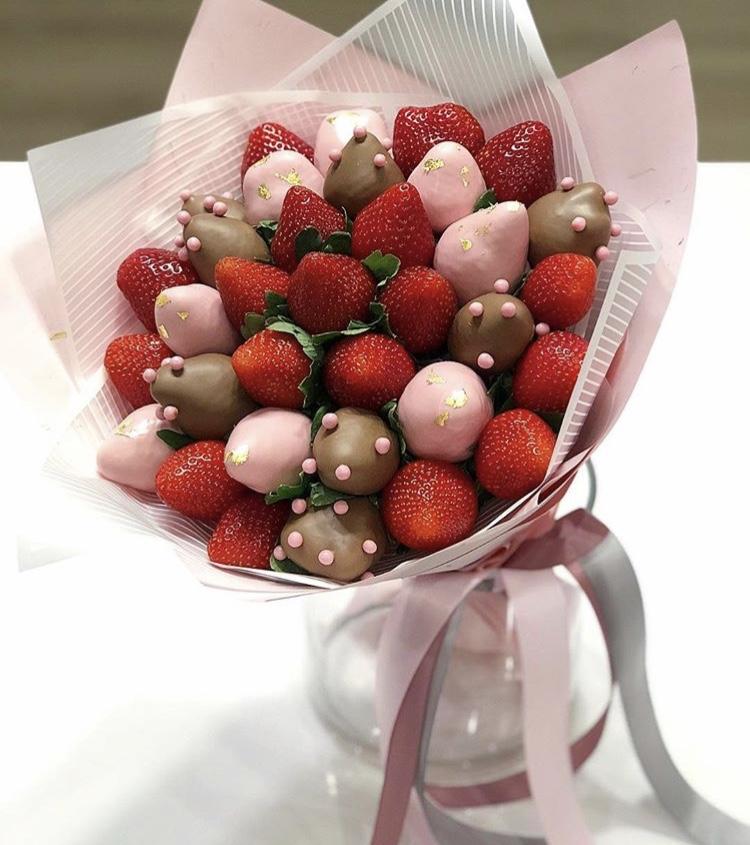 букеты ягоды в шоколаде уважаемые гости родные